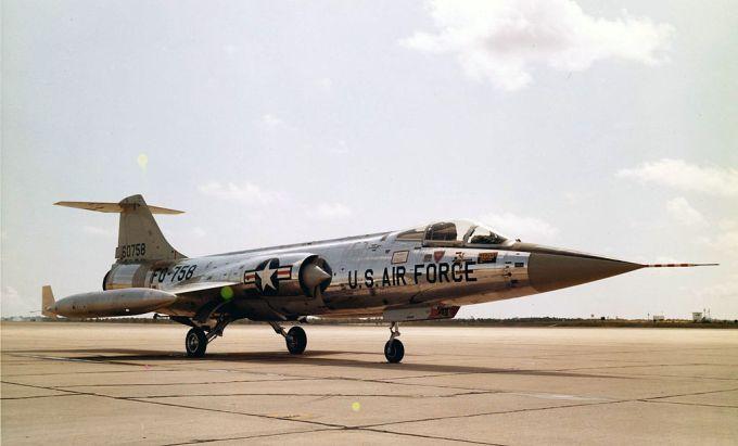 1024px-Lockheed_F-104A-10-LO_(SN_56-0758)_060928-F-1234S-004